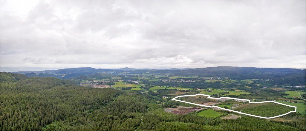 Området sett fra nordvest. Du kan så vidt skimte Trondheim og Tyholttårnet til venstre i bildet.